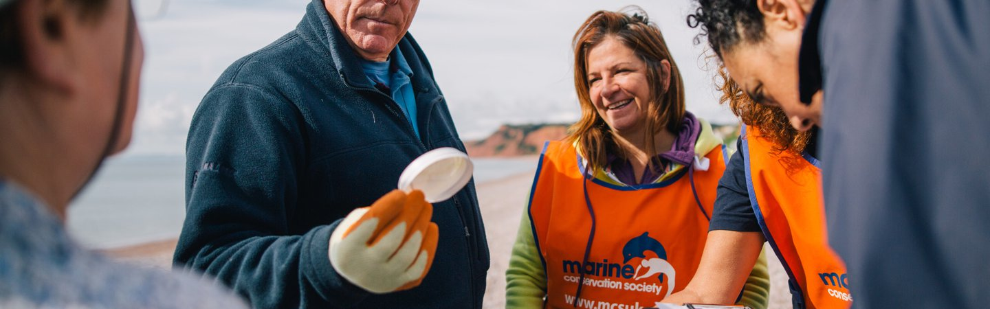 Volunteers at Great British Beach Clean on Budleigh Beach GBBC 2017 Andrew Brown