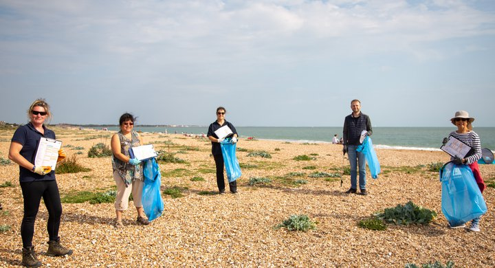 Beach clean volunteers at Great British Beach Clean on Eastney Beach Portsmouth GBBC Billy Barraclough